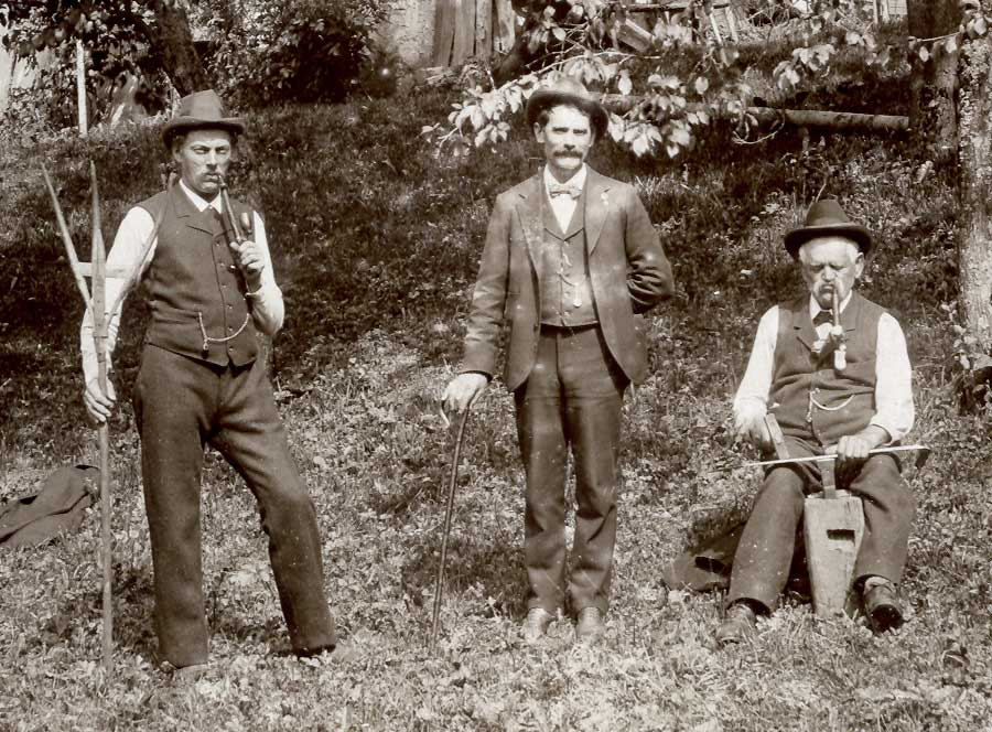 Fritz-William-auf Besuch in der Halde  in Bludenz (1900) v.l.n.r.Anton Keckeis (Sohn v. Anton Fritz). William Fritz, Anton Fritz geb.1829