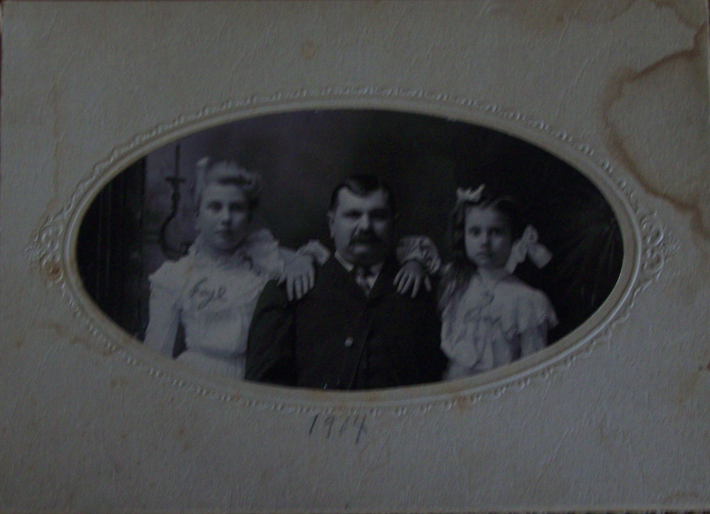 Portrait of Fay (12), Henry (father), and Ona (8) Fritz, dated 20 June 1904