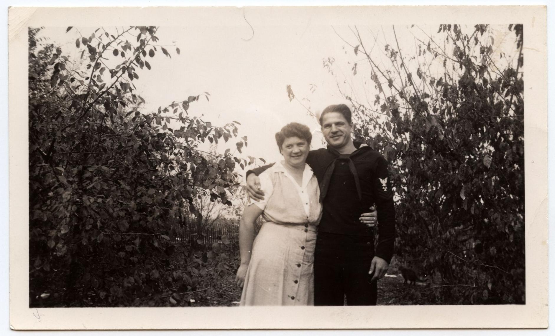 Leon Inar Morrison and mother Anna Morrison-Peterson (1942 or 1943) (front)